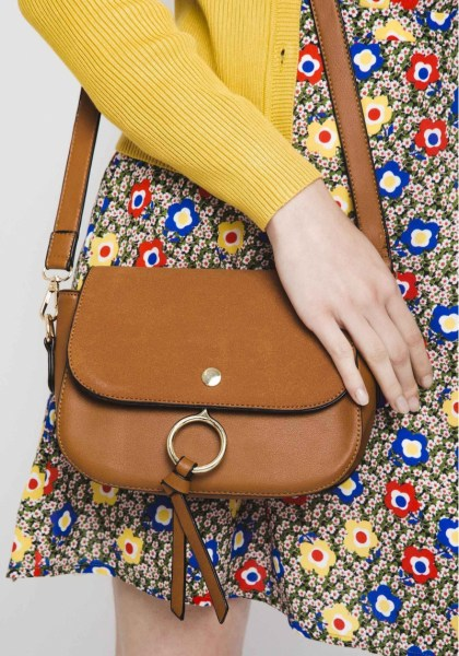 l-appartamento-borsa-pelle-leather-compania-fantastica-chloe-bolso-cartera-marron-ante