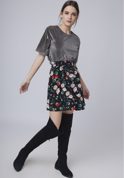 l-appartamento-rimini-compania-fantastica-gonna-skirt-fiori-flowers-shirt-black-2