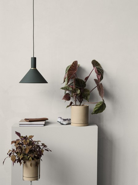 l-appartamento-rimini-ferm-living-cone-shade-dark-green-light-lamp-danish-design-1