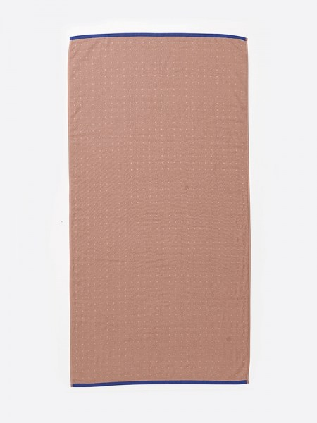 l-appartamento-rimini-ferm-living-grain-jacquard-knitted-kitchen-sento-bath-towel-bathroom-pink-cotton-asciugamano-rose