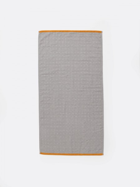 l-appartamento-rimini-ferm-living-grain-jacquard-knitted-kitchen-sento-hand-towel-bathroom-grigio-cotton-asciugamano-grey