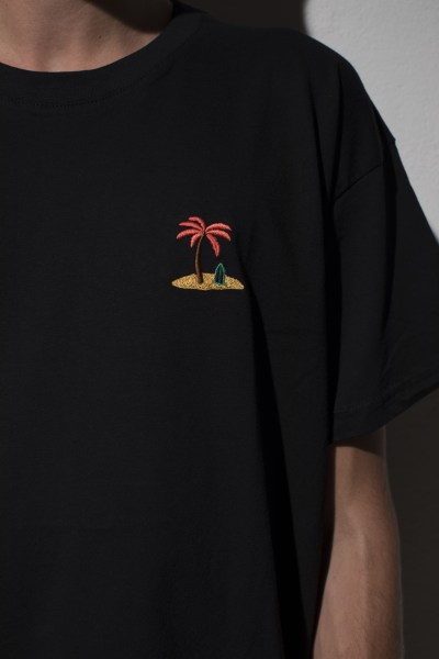 l-appartamento-rimini-the-silted-company-surf-t-shirt-palma-palm-black-nero-1